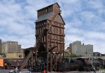 Walthers Cornerstone 933-2922  Wood Coaling Tower